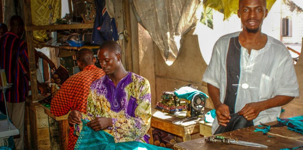 aller a Cameroun : 90 % de la force active piégée dans le secteur de l'informel